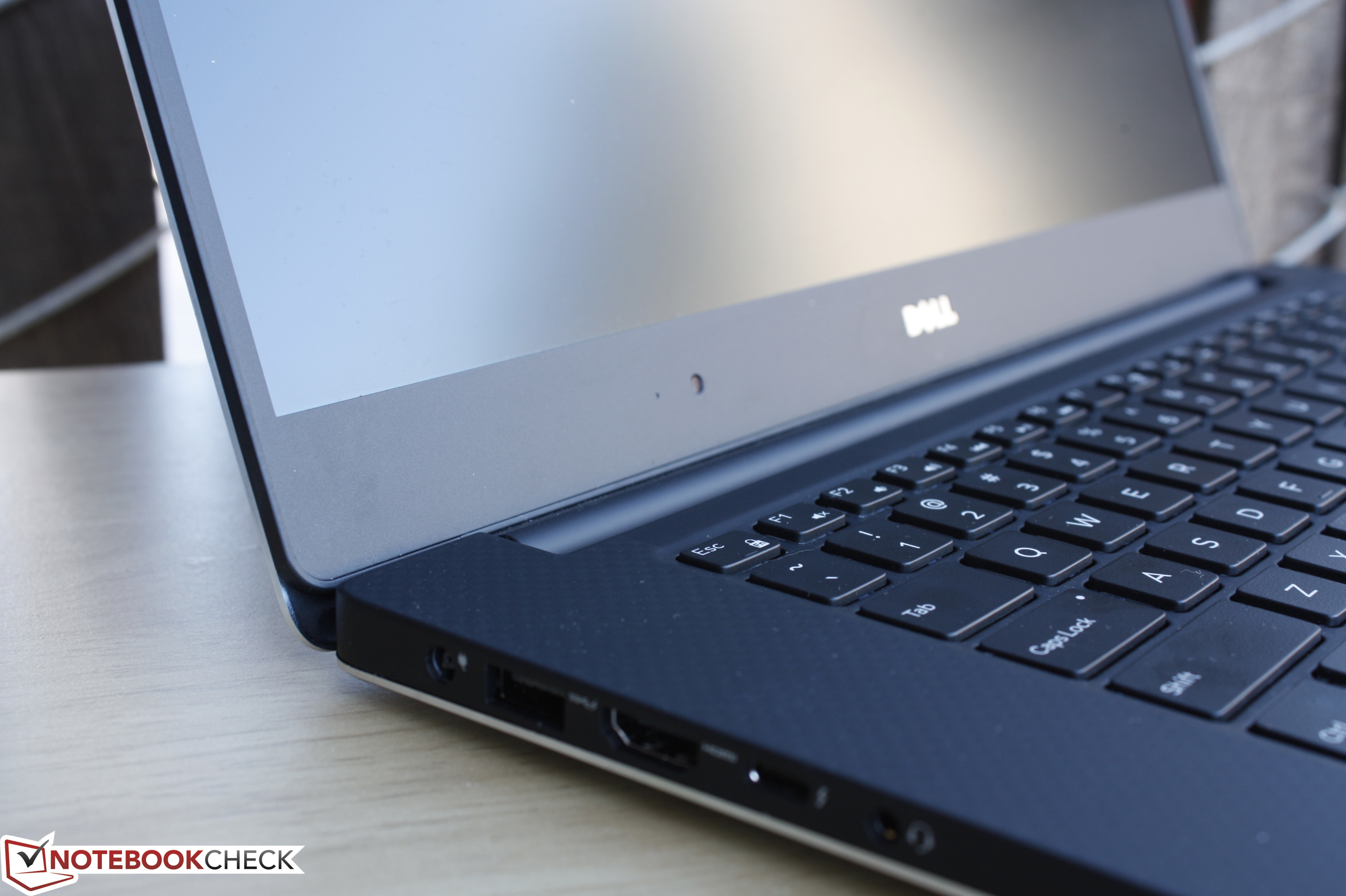 how to clean laptop screen without damaging it