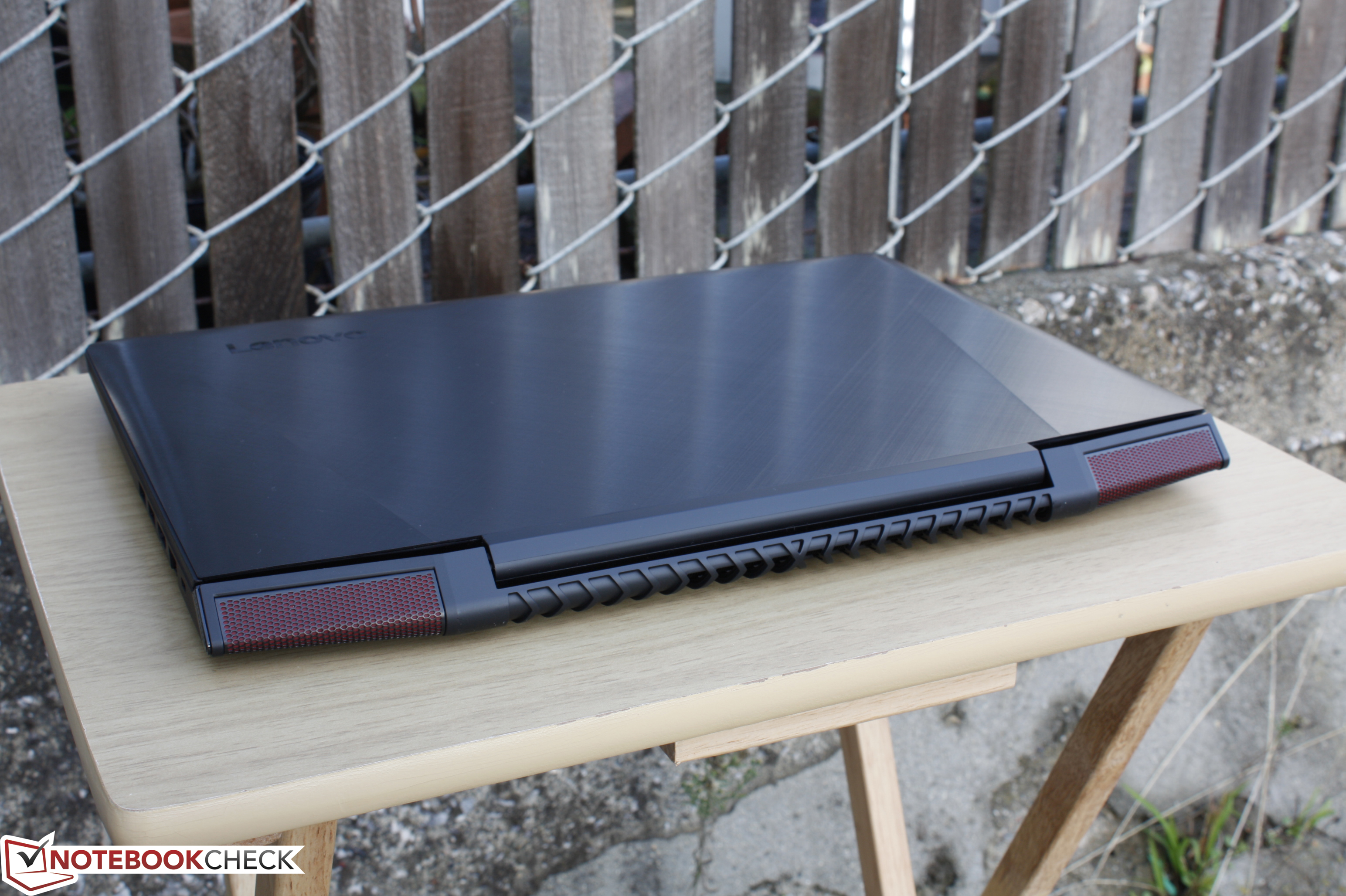 Kısa inceleme: Lenovo Ideapad Y700 15ISK 80NW Notebook