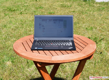 The Lenovo ThinkPad X1 Carbon 2017 in sunlight