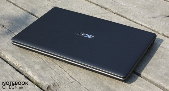 Acer Aspire 3750-2314G50MNkk: Proper performance, strong battery life, but a dire glare type display