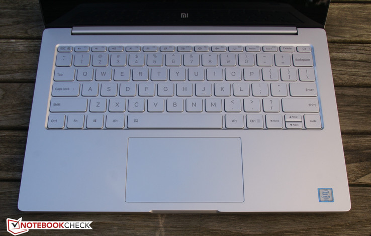 Mi Notebook Air: keyboard and touchpad